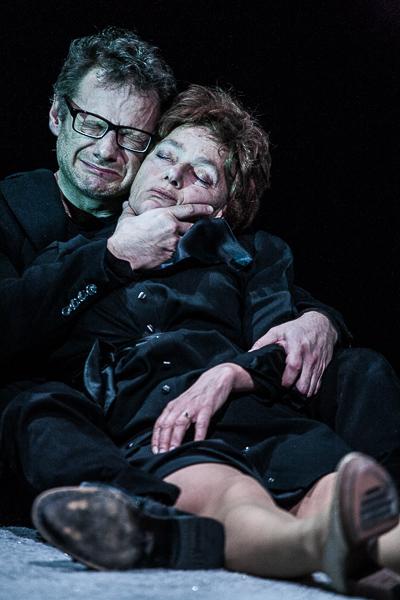 """Jako Peer w spektaklu """"Peer Gynt"""" w reżyserii Rafała Sabary, z Anną Tomaszewską"""